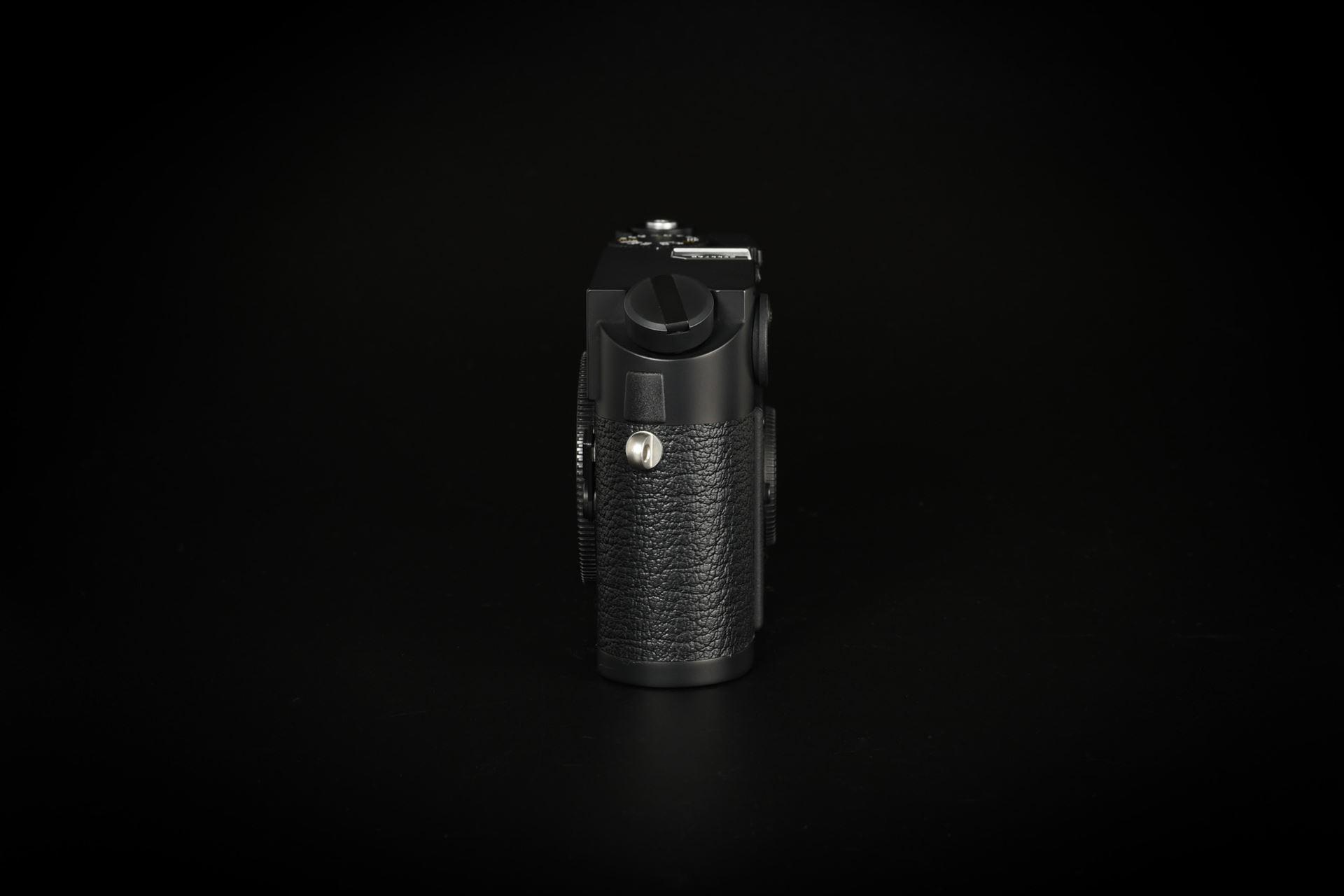 Picture of Leica M7 0.85 Black Chrome A-La-Carte