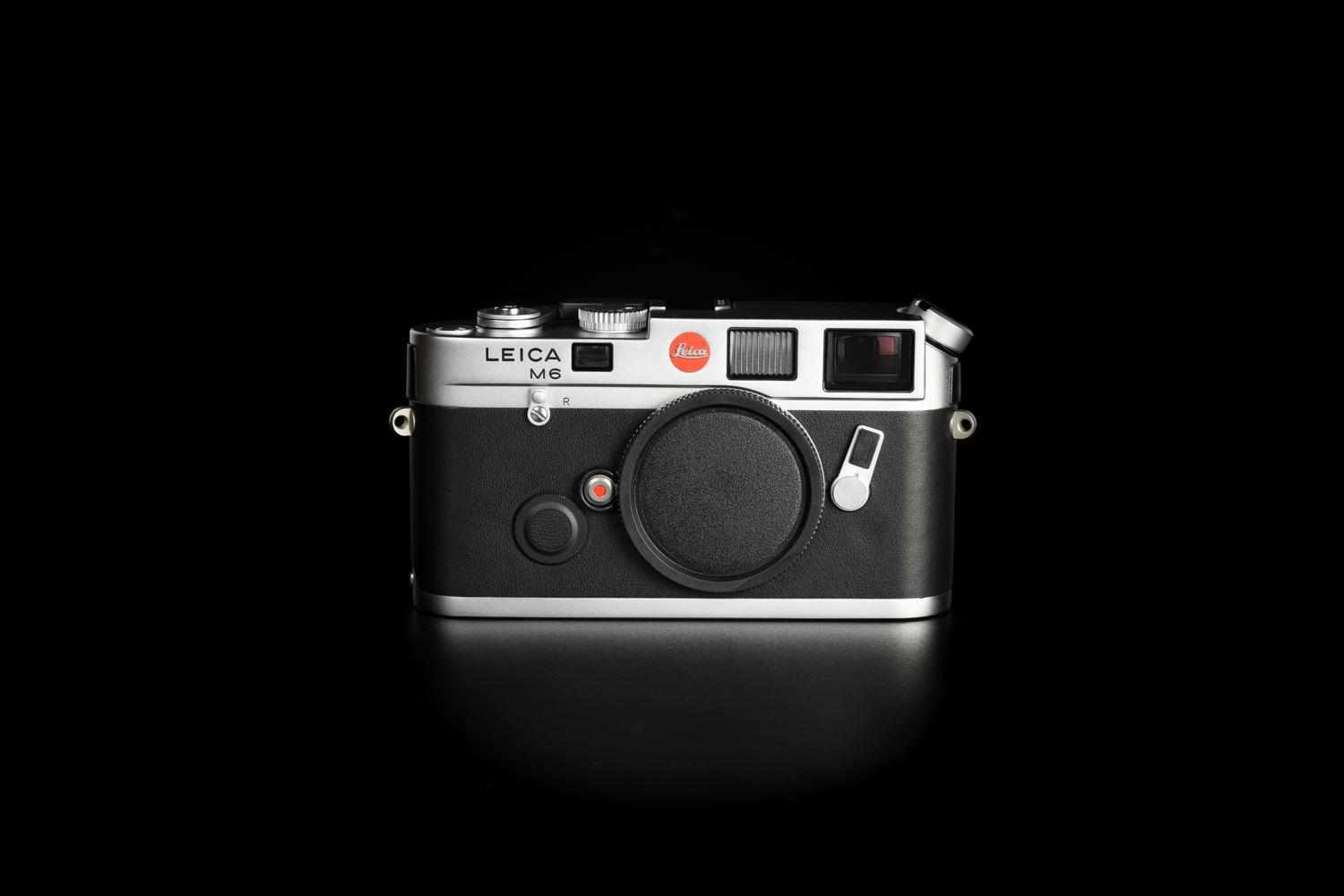Picture of Leica M6 Classic Traveller OFFERMANN Set with Summilux-M 50mm f/1.4 Ver.2 Silver
