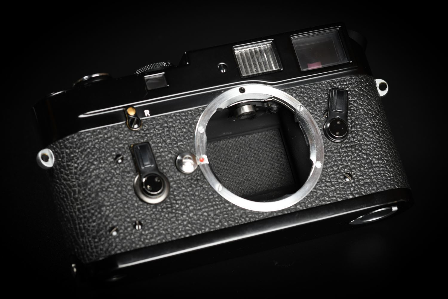 Picture of Leica M4-MOT Black Paint Zeiss Fundus White Dot