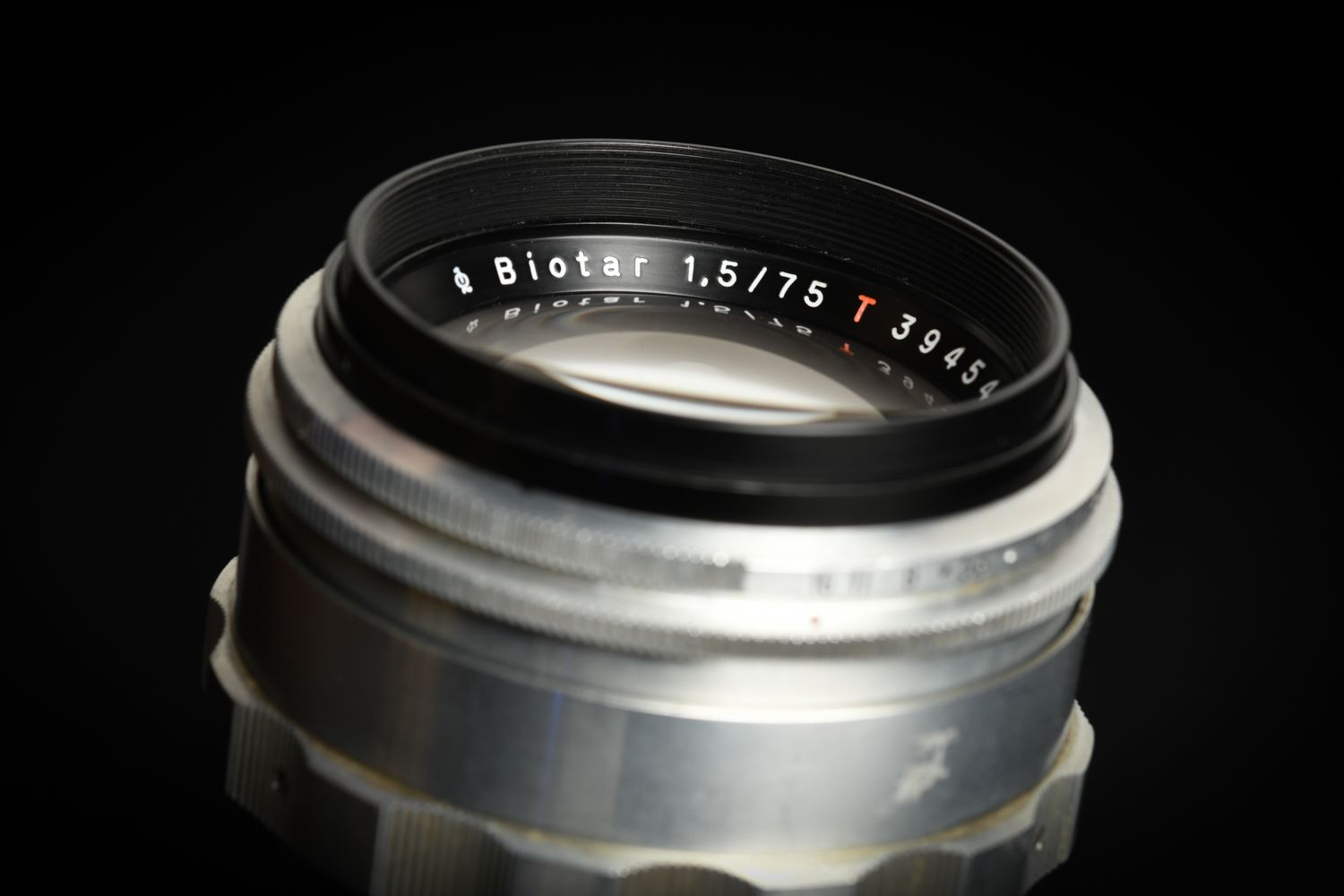 Picture of Carl Zeiss Jena Biotar 75mm f/1.5 T Modified To Canon EF