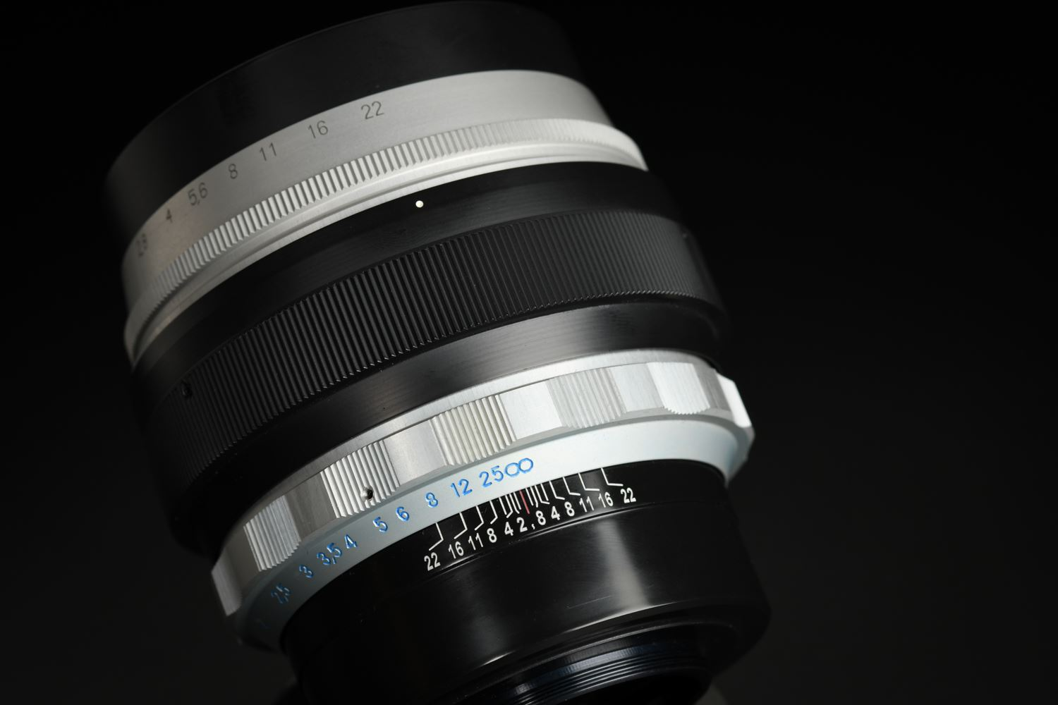 Picture of Meyer Optik Gorlitz Somnium 85mm f/1.5 M42