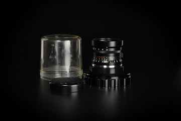 Picture of Leica Elmarit-M 28mm f/2.8 Ver.1 Canada 9-element