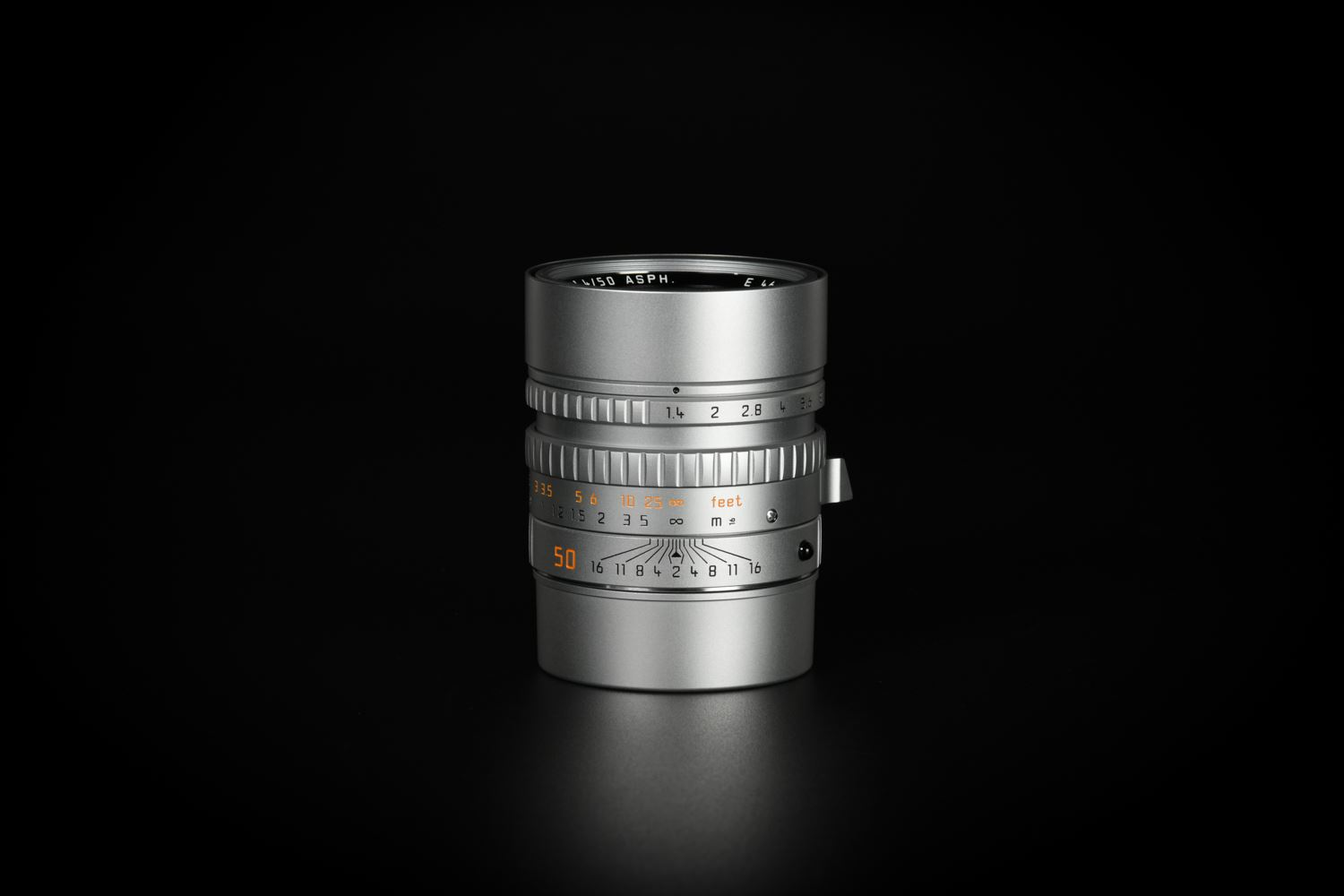 Picture of Leica M9-P Edition Hermes with Summilux-M 50/1.4 ASPH