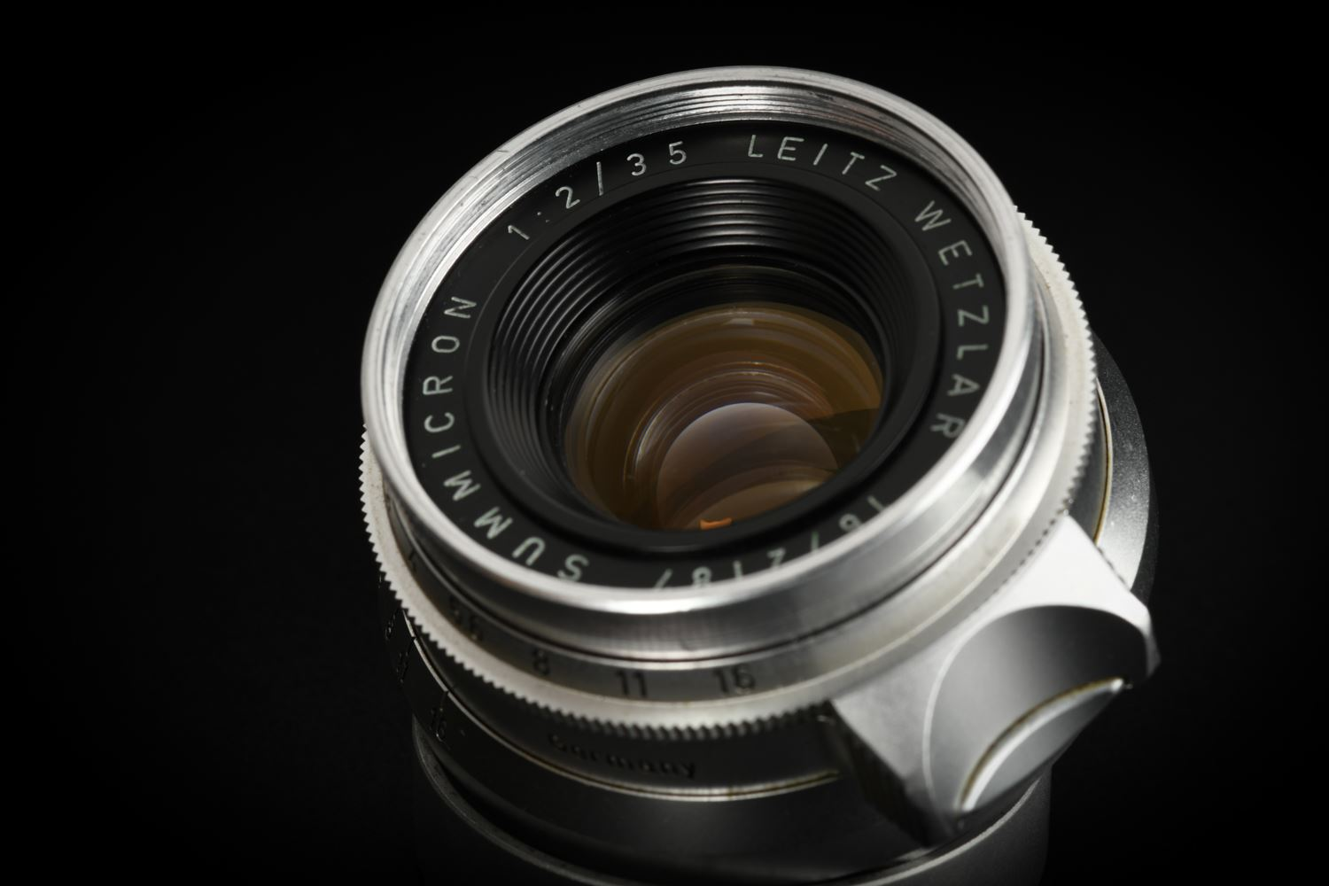 Picture of Leica Summicron 35mm f/2 Ver.1 8-element Germany Screw LTM