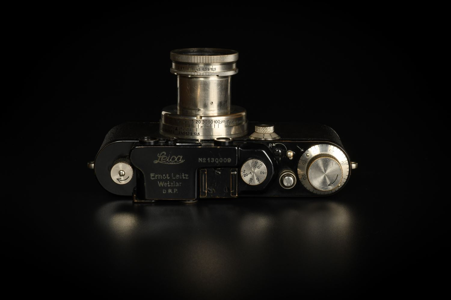 Picture of Leica III Black Paint with Summar 5cm f/2 and SCNOO Black