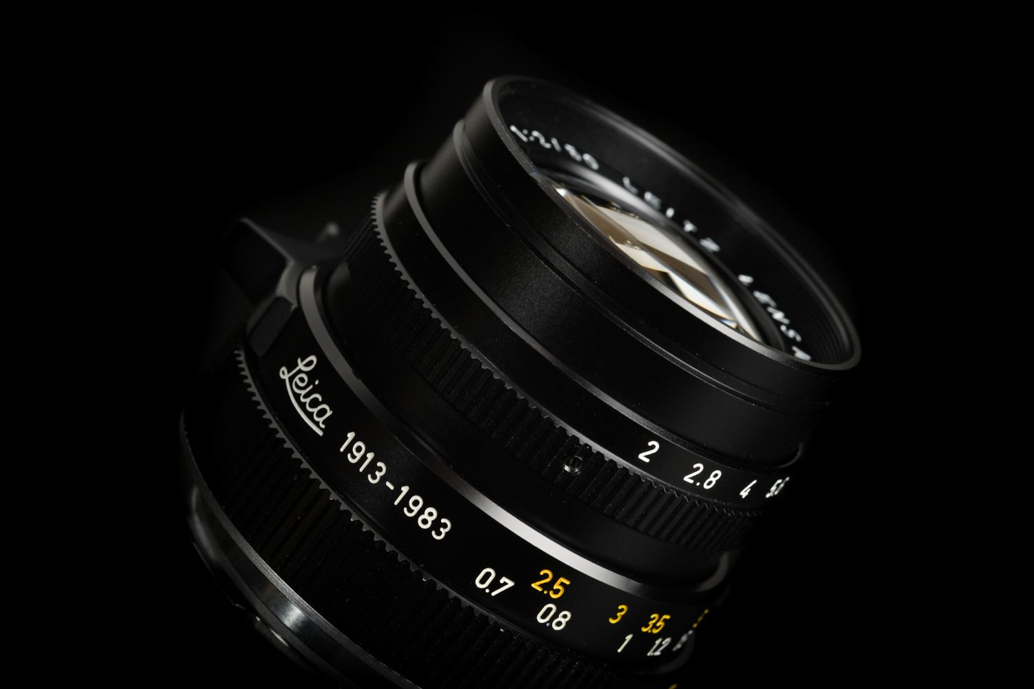 Picture of Leica Summicron-M 50mm f/2 Ver.3 Black 1913-1983 70-Jahre
