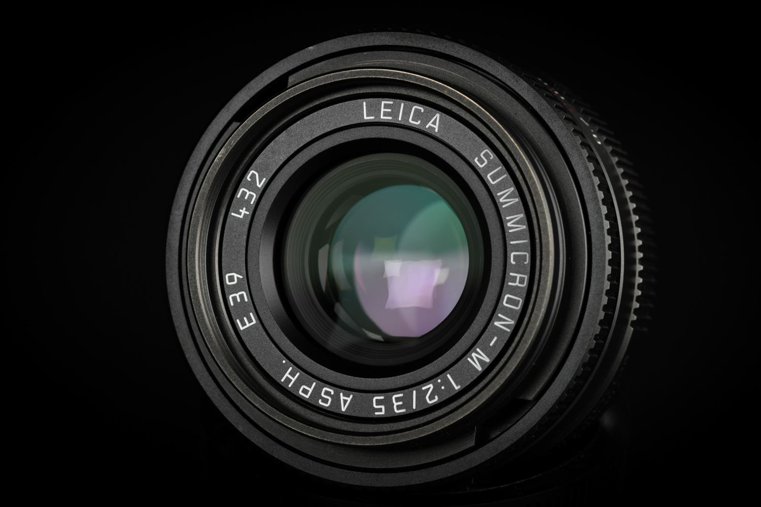 Picture of Leica Summicron-M 35mm f/2 ASPH Black Chrome