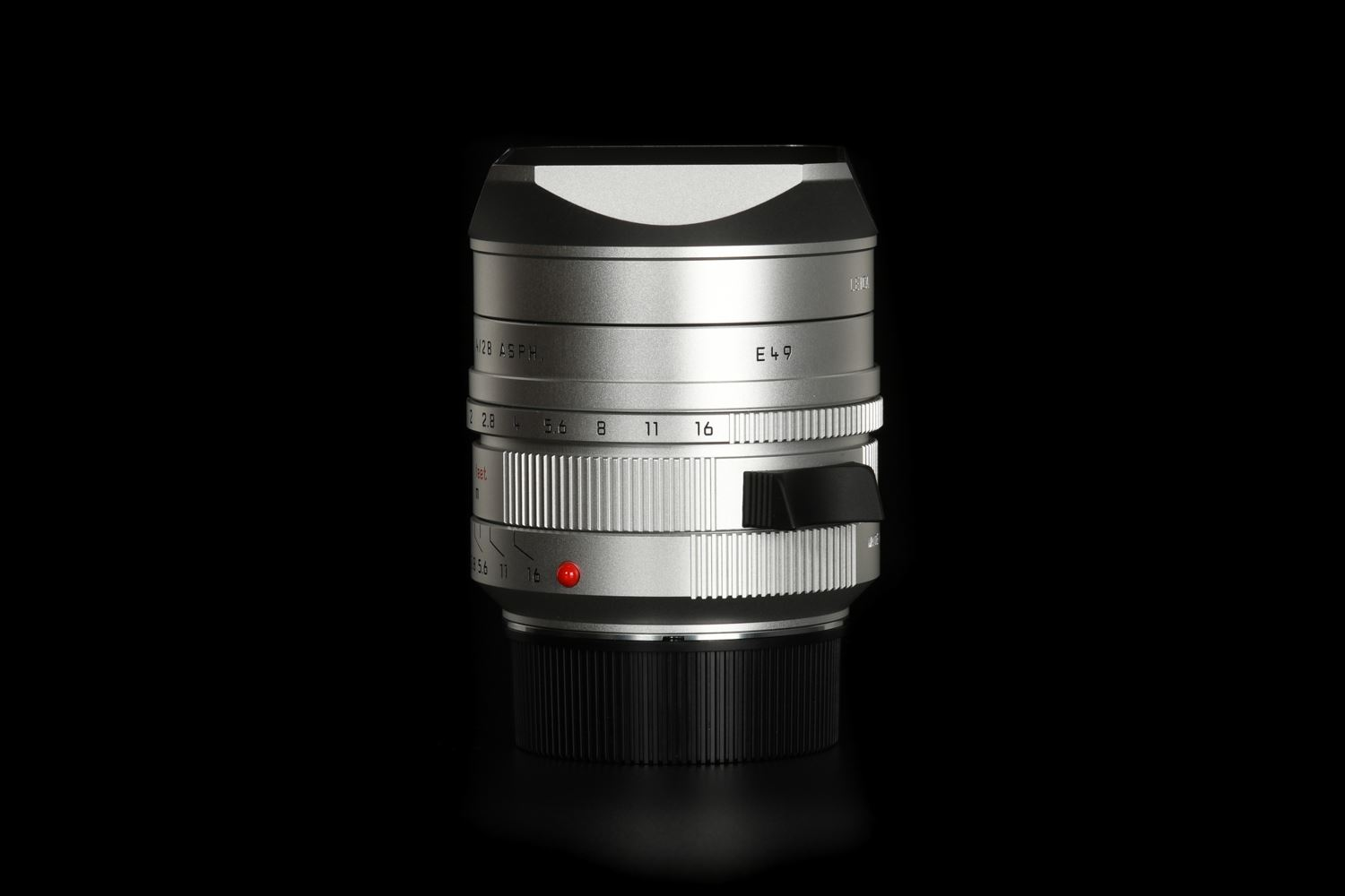 Picture of Summilux-M 28mm f/1.4 ASPH., silver anodized finish