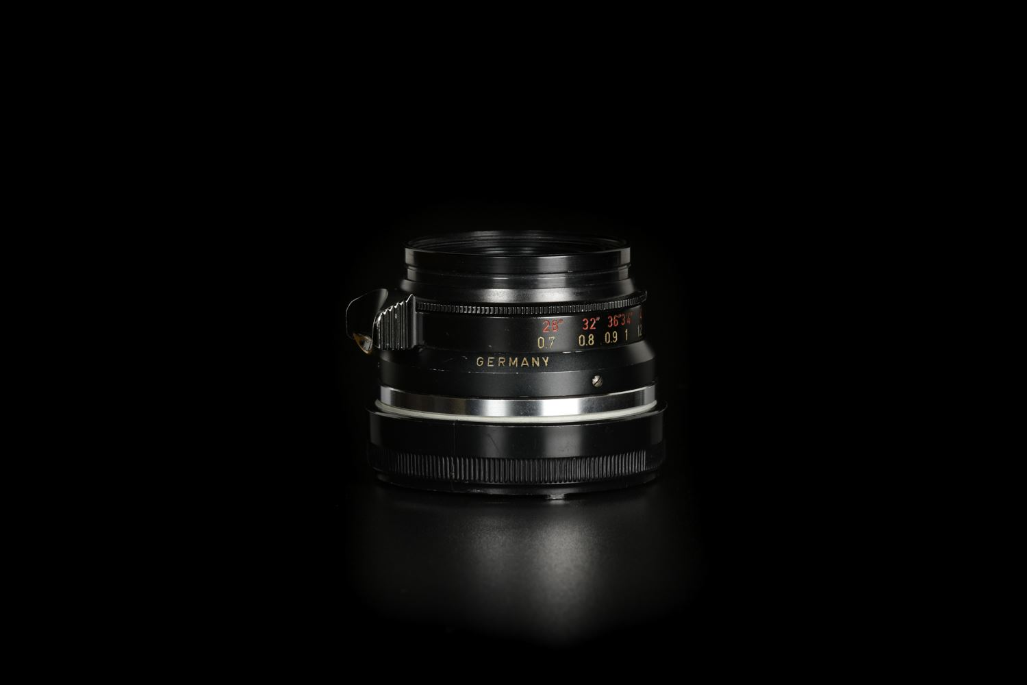 Picture of Leica Summicron-M 35mm f/2 Ver.1 8-element Germany Black Paint M2