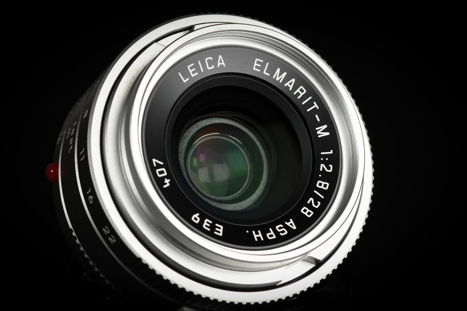 Picture of Leica Elmarit-M 28mm f/2.8 ASPH Silver, The White Edition