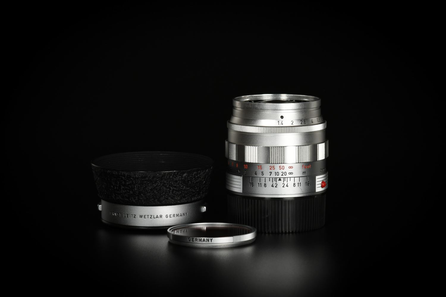 Picture of Leica Summilux-M 50mm f/1.4 Ver.1 Silver Reverse Scallop