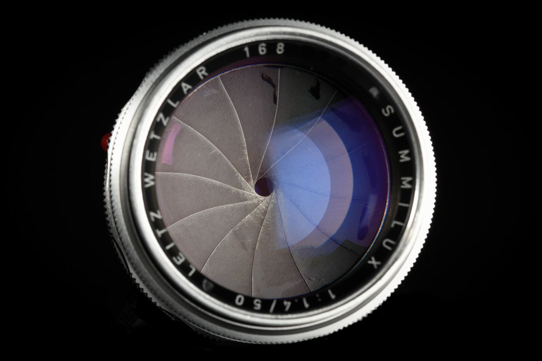Picture of Leica Summilux-M 50mm f/1.4 Ver.1 Silver Reverse Scallop
