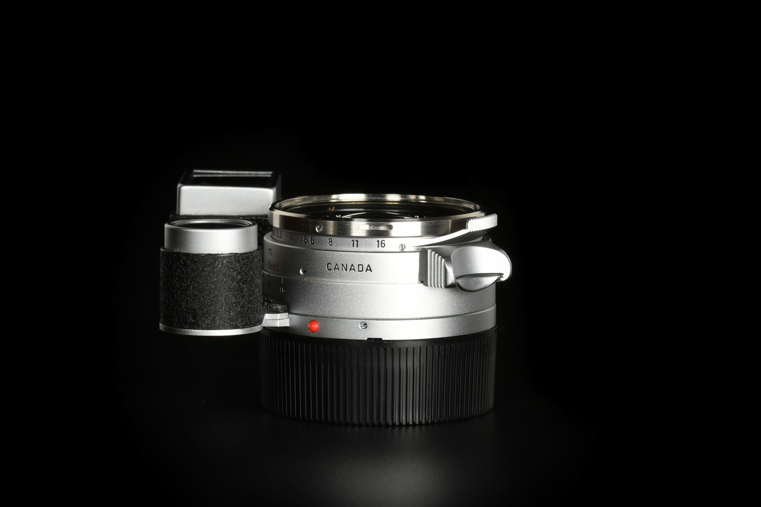 Picture of Leica Summilux-M 35mm f/1.4 Ver.1 Steel Rim Silver M3