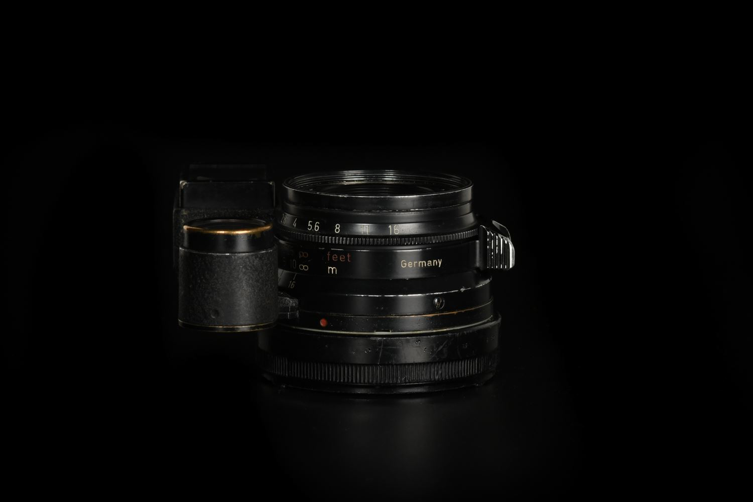 Picture of Leica Summicron-M 35mm f/2 Ver.1 8-element Black Paint Brass Mount for M3