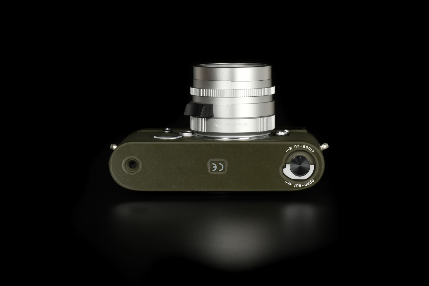 Picture of Leica MP Olive Kyoto with Summilux-M 35mm f/1.4 ASPH II FLE Silver Set