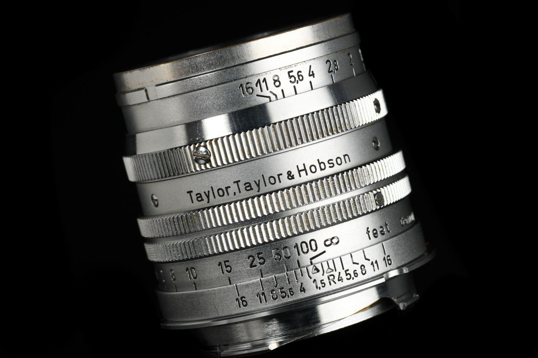 Picture of Leica Summarit 5cm f/1.5 Screw LTM with LTM Ring