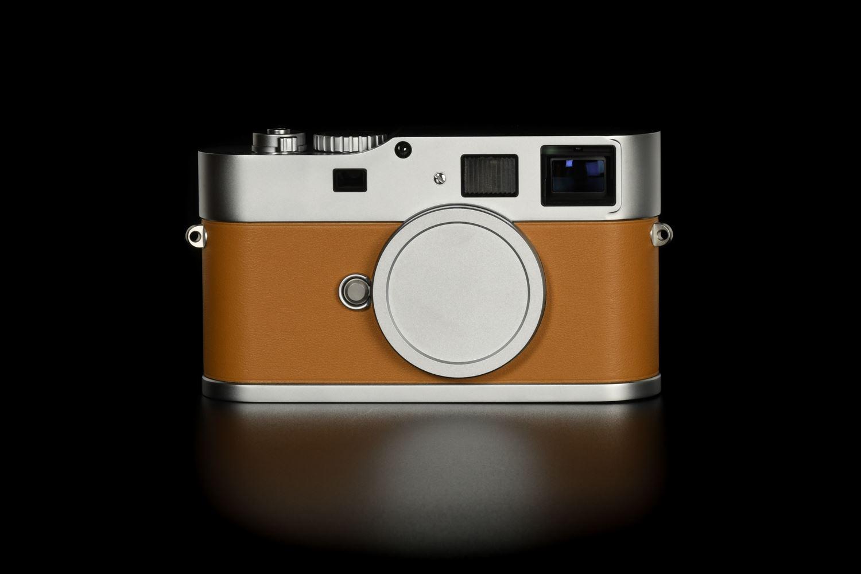 Picture of Leica M9-P 'Edition Hermes' - Série Limitée Jean-Louis Dumas with Summicron 28mm f/2 ASPH, Noctilux 50mm f/0.95 ASPH, APO-Summmicron 90mm f/2 ASPH