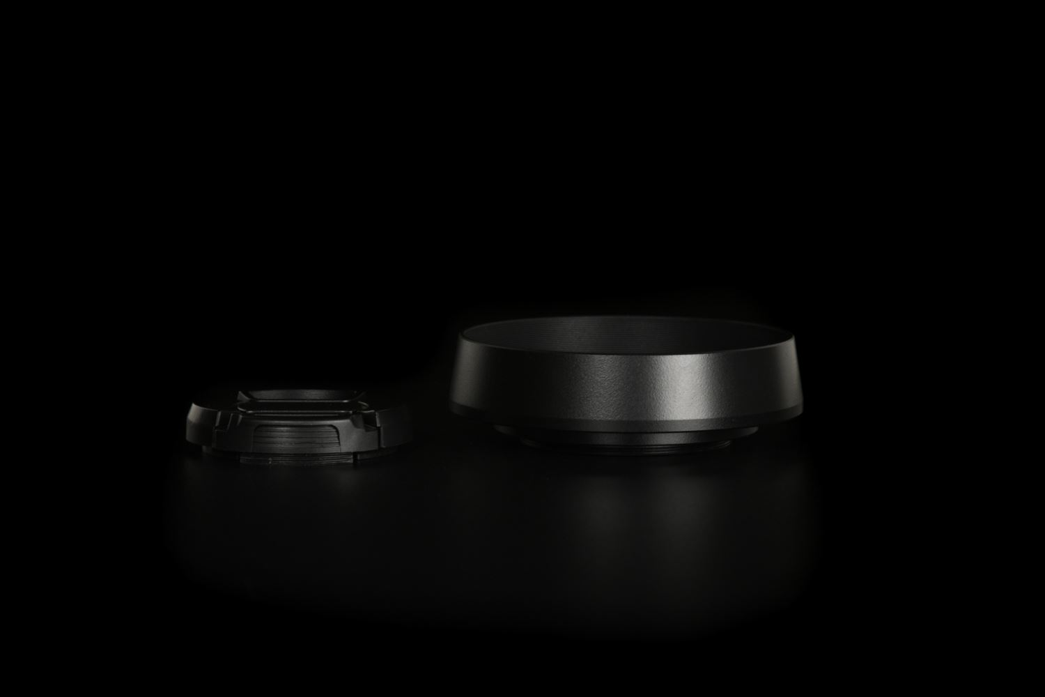 Picture of Black Ventilated Lens Hood made for Leica E39 lenses