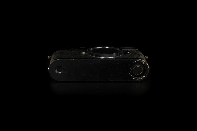 Picture of Leica M2 Button Original Black Paint