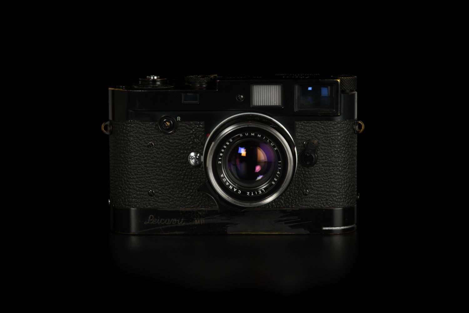 Picture of Leica M2 Button Original Black Paint