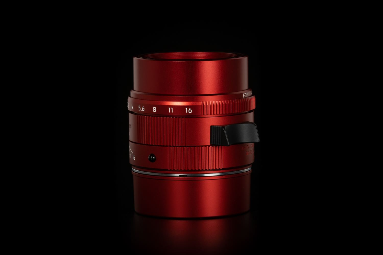 Picture of Leica M (Typ 262)  with apo-summicron-m 50mm f/2 asph Red Anodized Limited set