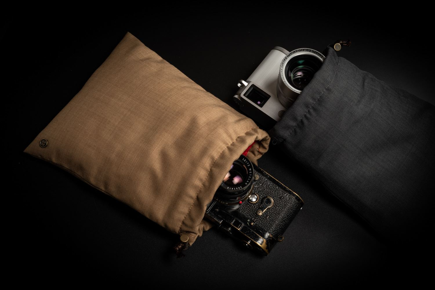 Picture of f22 camera and lens pouch (large)