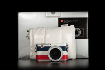 Picture of Leica X (Typ113) Moncler Edition