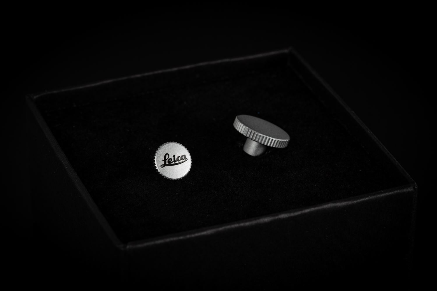 "Picture of leica Soft Release Button ""LEICA"", 8mm, chrome"