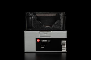 Picture of leica Protector M10, leather, black