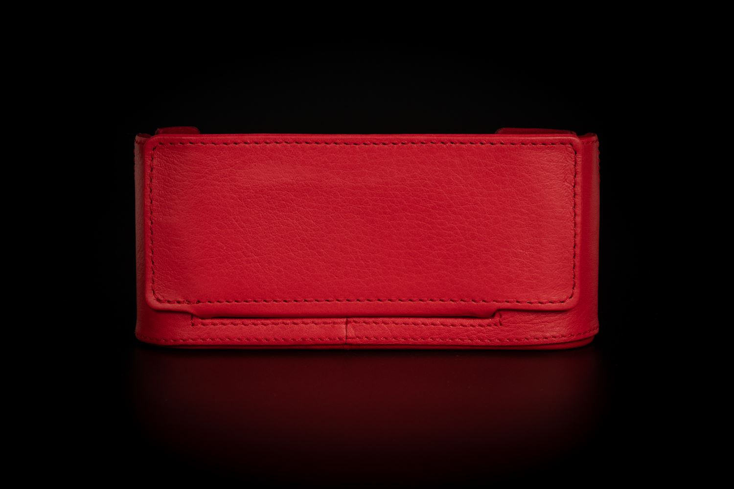 Picture of LEICA PROTECTOR M10,LEATHER, RED