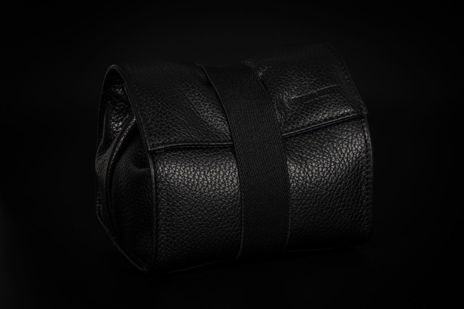Picture of Artisan & Artist ACAM-77 Black Leather Pouch