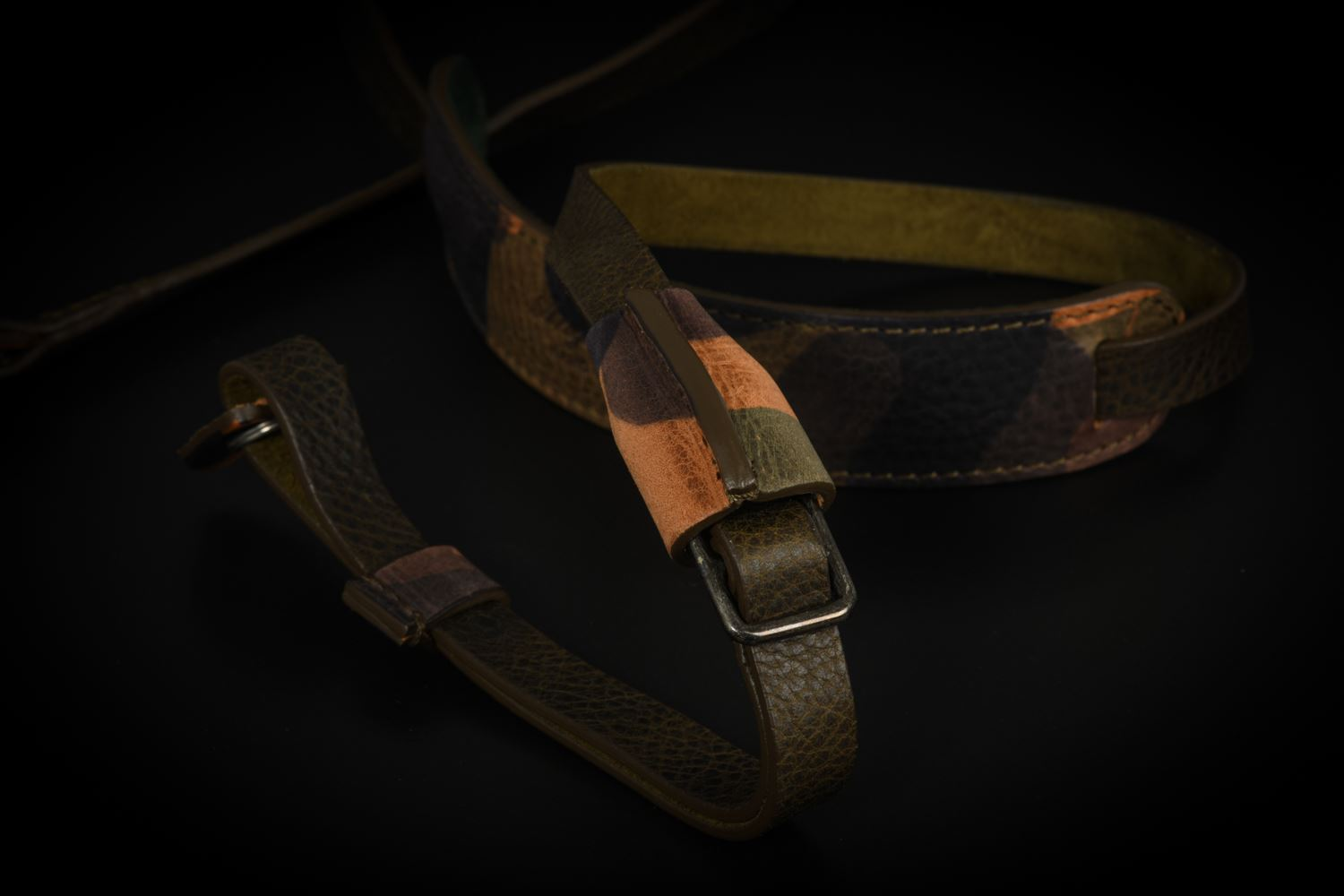 Picture of Angelo Pelle Neck Strap, Padded - Camouflage Pad, Green Belt
