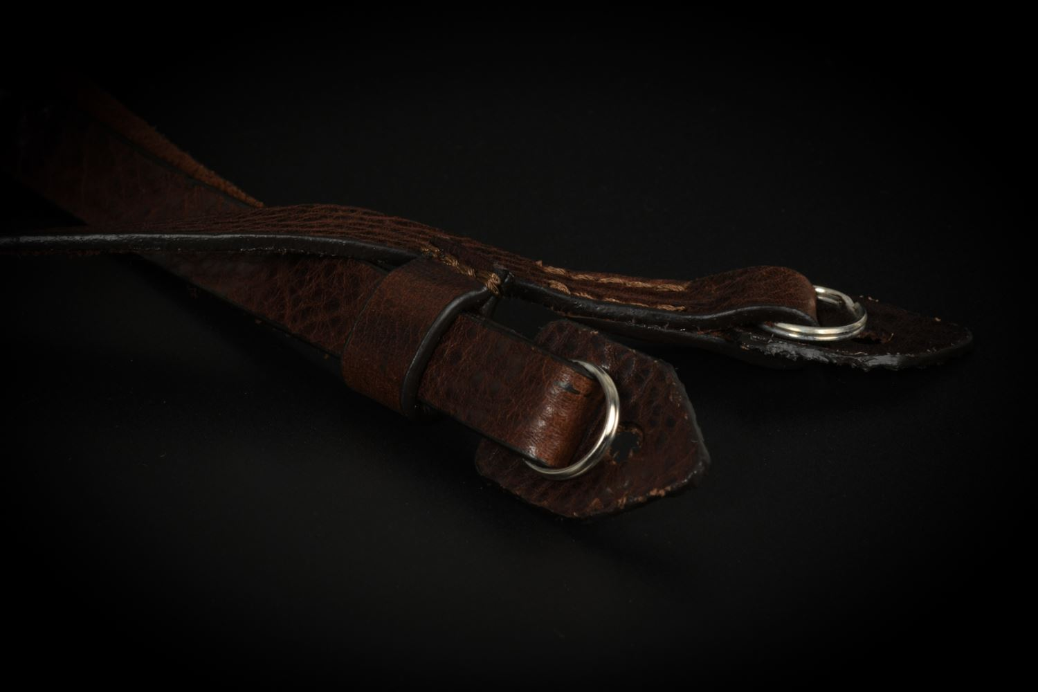 Picture of Angelo Pelle Neck Strap, Padded - Foxy Brown