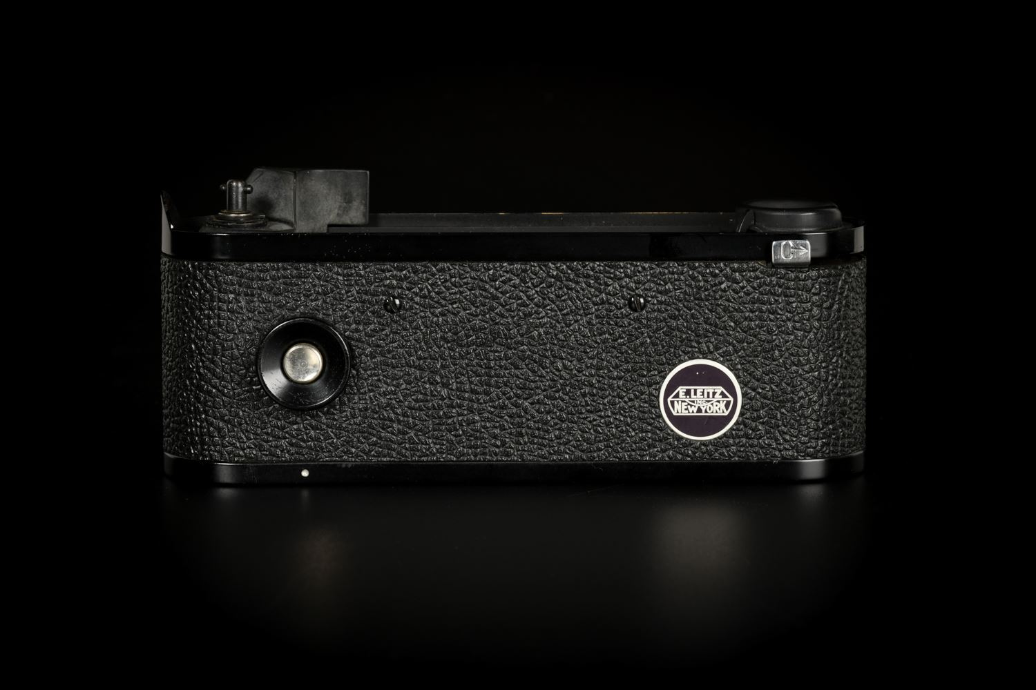 Picture of Leica M4-M Black Paint with New York Motordrive and Power Pack
