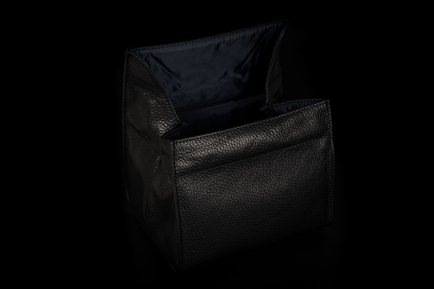 Picture of Artisan & Artist ACAM-78 Black Large Leather Pouch