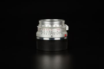 Picture of leica summiron 35mm f/2 8-element germany