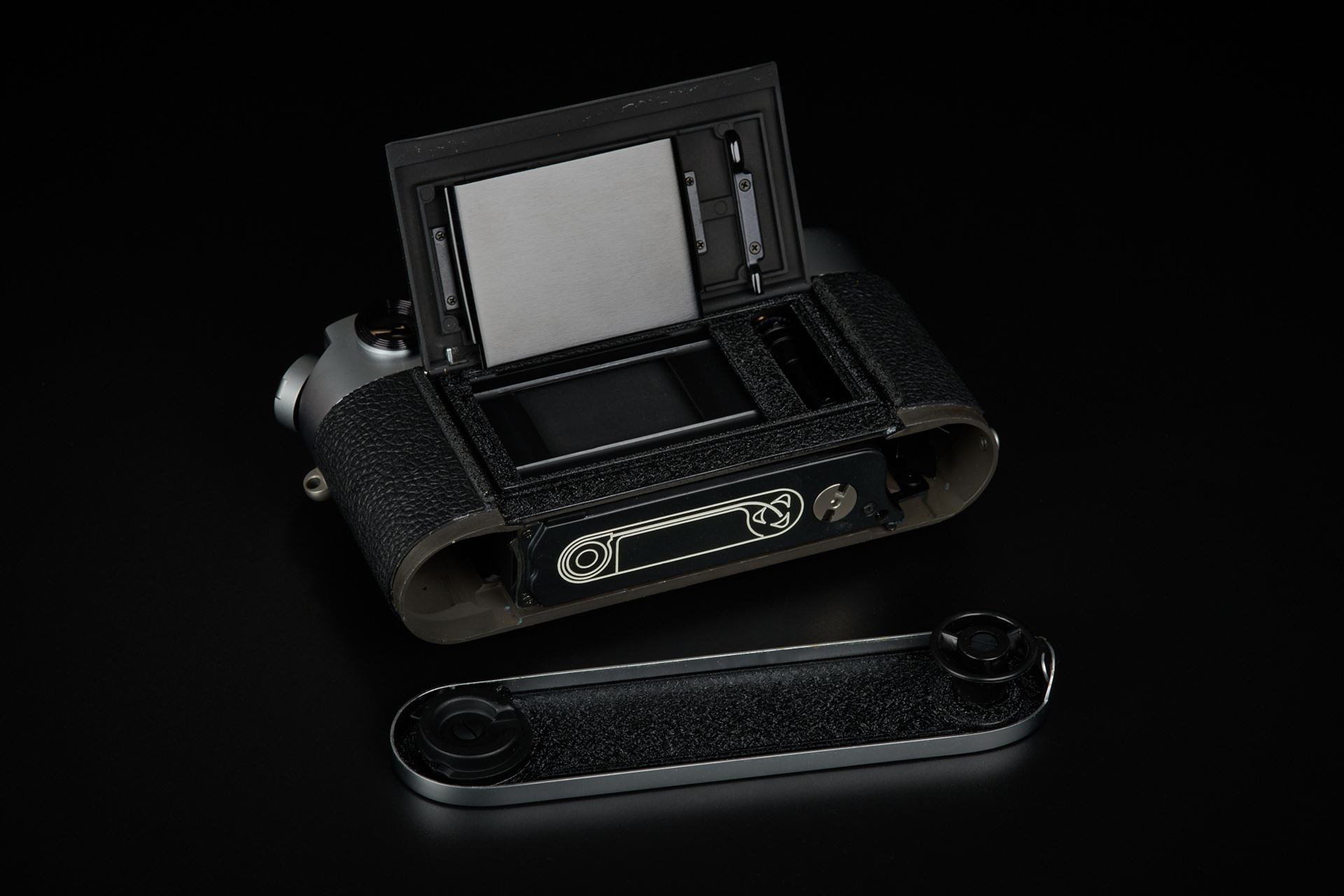 Picture of leica m4-p silver 1913-1983 set