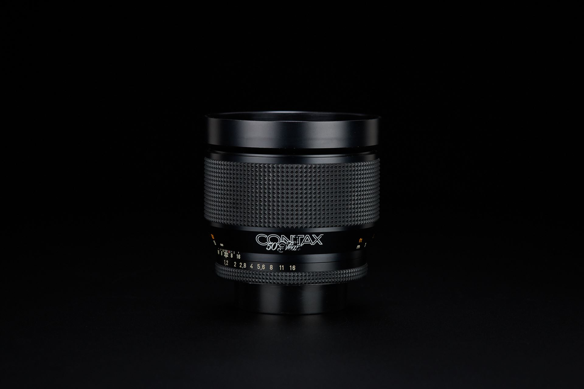 Picture of contax planar 85mm f/1.2 t* 50th jahre